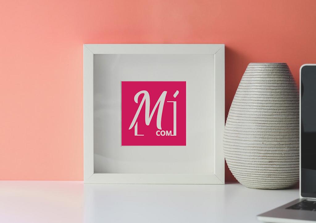 Mockup logo rédactrice web - Julie Landais, création d'identité visuelle et site internet